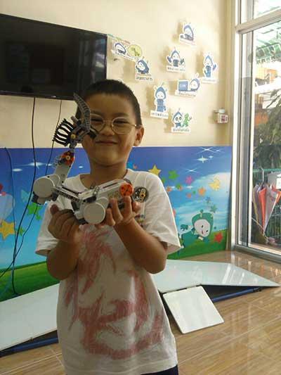 cern lego robot 1