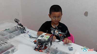 cern lego robot 3