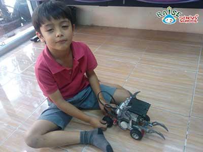 huego lego robot 3