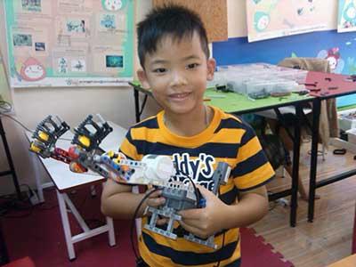 max lego robot 1
