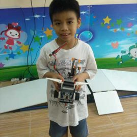 Pan Lego Robot show