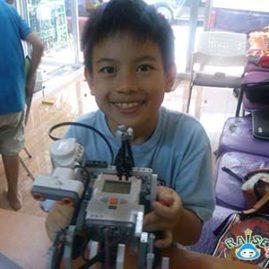 TAN Lego Robot Show