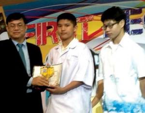 รับรางวัล แข่งขันหุ่นยนต์ 4
