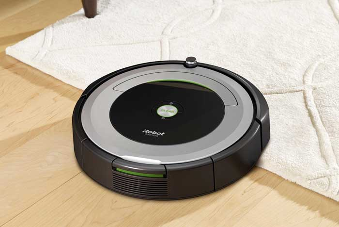 iRobot - Roomba 690 App-Controlled Robot Vacuum - Black/Silver