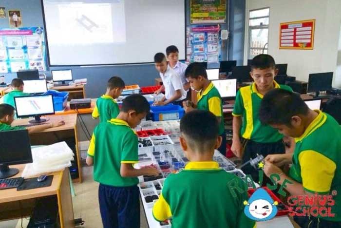 ฝึก Soft Skill ด้านการคิดแก้ปัญหา และ การคิดวิเคราะห์ ผ่านกิจกรรมให้ ห้องเรียนหุ่นยนต์ (Robot Lab Setting)